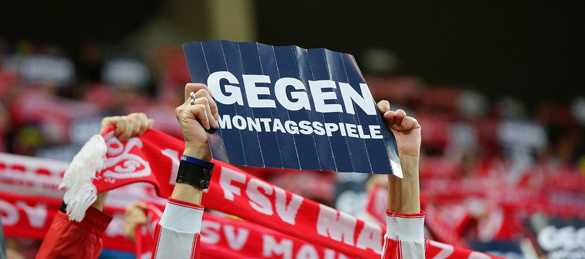 Fanprotest gegen Montagsspiele